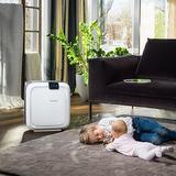 BONECO H680 - Čistý vzduch o správné vlhkosti je jedním ze základních předpokladů prevence dýchacích potíží a onemocnění dýchacích cest. Kombinovaný přístroj pro zvlhčování a čištění vzduchu lze umístit v interiéru tak, že nebude působit rušivě a přitom zajistí vhodné klima pro zdravý život.