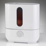 U200 - pokud v přístroji dojde voda, tak se automaticky vypne tvorba mlžiny a rozsvítí se červené prosvícení zásobníku