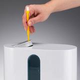U200 - postup při doplňování vody do zásobníku - nejprve sejměte výstupní komínek, vyjmutí usnadní nástroj, v tomto případě čistící čtěteček