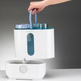 U200 - postup při doplňování vody do zásobníku - pro snadnější manipulaci je zásobník vybaven úchytem